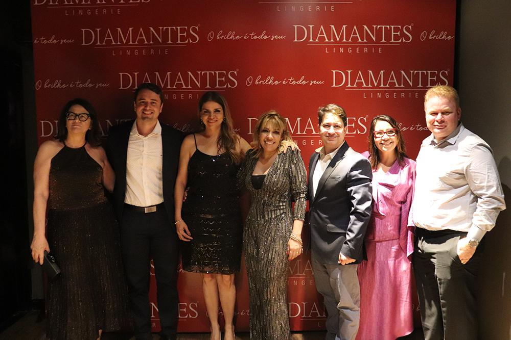 Presidência e Diretoria Diamantes Lingerie após a homenagem na Comanda Beni Veras 2019.