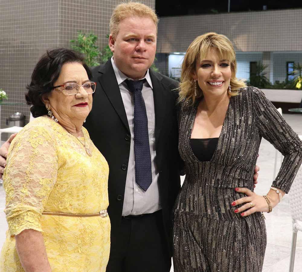 Fundadores da Diamantes Lingerie: Francisca Vasconcelos, Cláudio Júnior e Claudênia Régia.