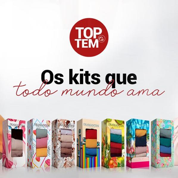 """Fundo branco com sete caixas de kits de calcinha da Diamantes. Em cima, lettering diz: """"Top Tem"""" Os kits que todo mundo ama""""."""